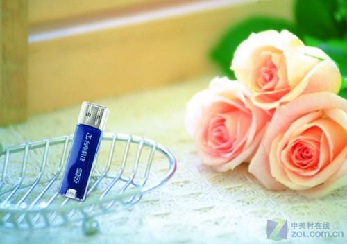 蓝色时尚 台电晶彩系列U盘美图欣赏