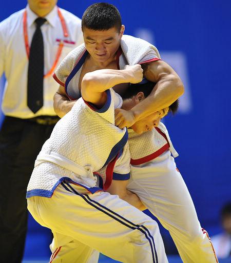 安徽队选手王峥在比赛中