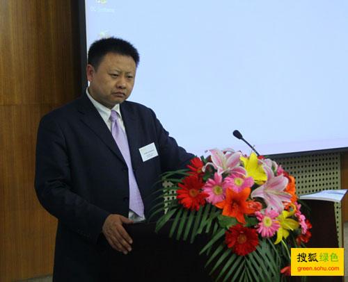 贾鹤鹏,《科学新闻》杂志总编,座谈会主持人