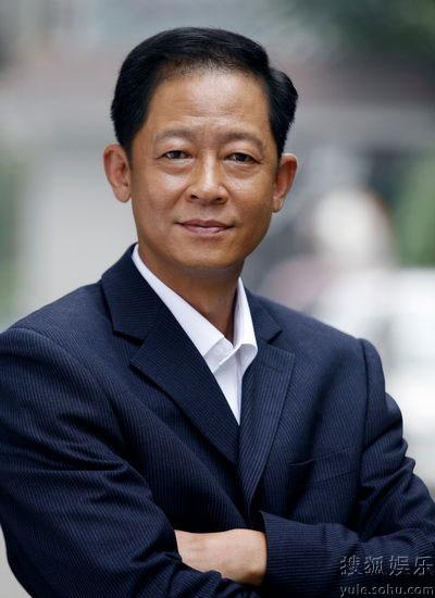 王志文在《手机》中饰演严守一