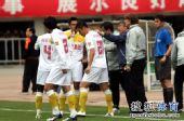 图文:[中超]陕西VS山东 教练叮嘱