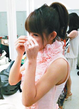 瑶瑶成功转型演偶像剧《倪亚达》,电视台长官力挺她,让她感动落泪