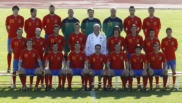 西班牙拍世界杯全家福
