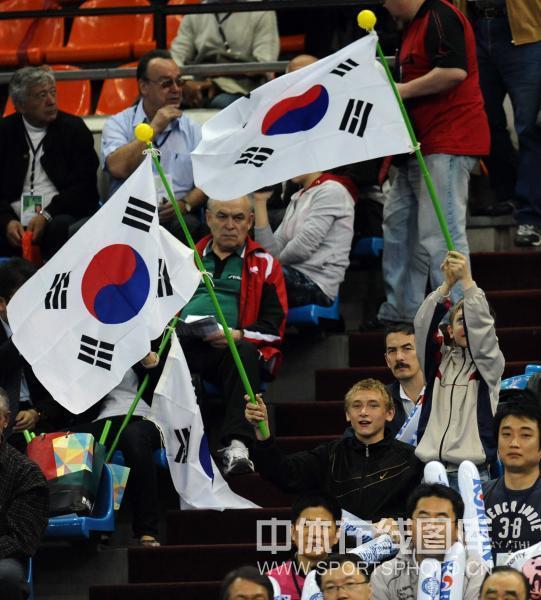 韩国 金景娥/图文:世乒赛韩国女团3/0朝鲜 韩国国旗飘扬