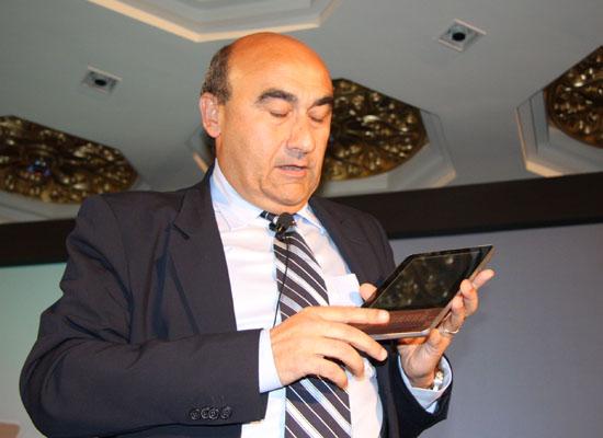 兰奇展示Acer的Android彩色电子书