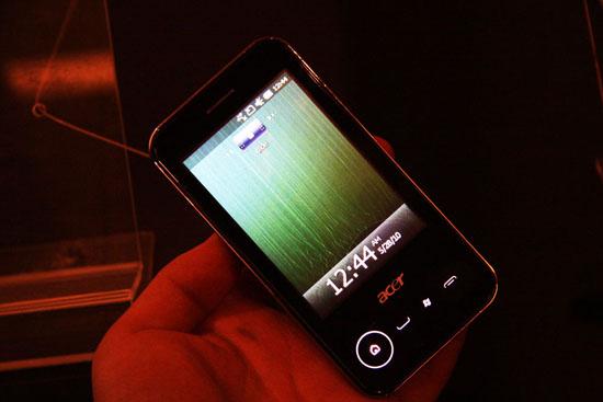 图为Acer展出的Windows Mobile智能手机