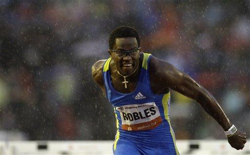 罗伯斯雨中冲刺