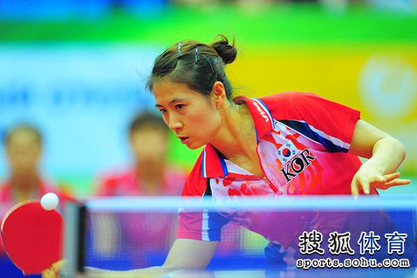 图文:世乒赛日本女队3-2韩国 金�嵌鸾忧蛩布�