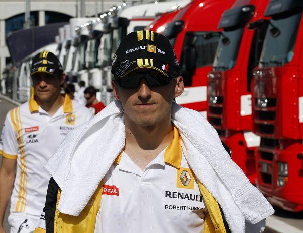 图文:F1土耳其站第二次练习 库比卡和佩德罗夫