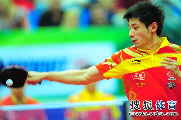 图文:世乒赛男队3-0日本 张继科正手扣杀