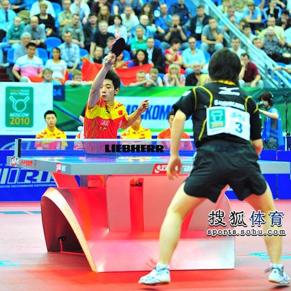 图文:世乒赛男队3-0日本 张继科进攻瞬间