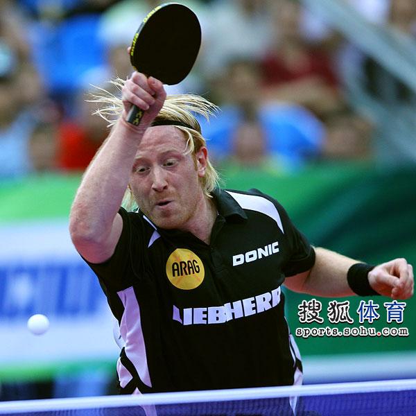 图文:世乒赛德国男队3-1韩国 苏斯扣球瞬间
