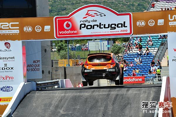 图文:奥吉尔获WRC芬兰站冠军 科托玛的飞跳