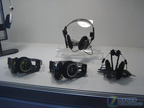 双飞燕携G-CUBE耳机亮相computex2010
