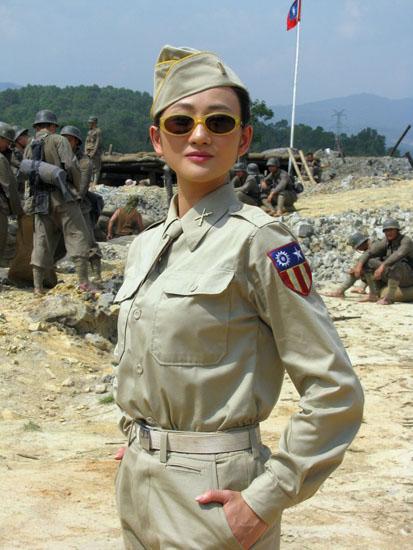 《中国远征军》正在云南瑞丽紧张拍摄中,青年演员李玥在剧中饰演女
