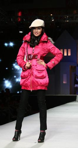 2010冬装新款精彩演绎-卓多姿 20周年
