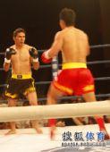 图文:姜春鹏KO伊朗选手 摩加塔巴冷静防守