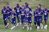 图文:法国备战世界杯 在克尼斯纳进行首次训练