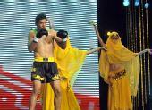 图文:姜春鹏KO伊朗选手 摩加塔巴出场