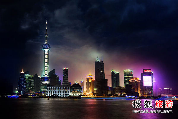 活力十足的上海不夜城