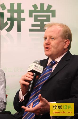 Paul Clements-Hunt 联合国环境规划署金融计划秘书长