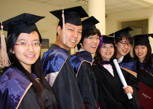 海外留学生学习与生活(组图)