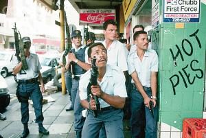 开普敦警方经常处于高度戒备状态