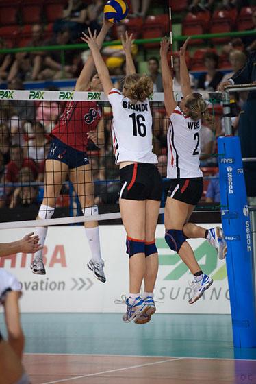 美国女排3-1逆转德国