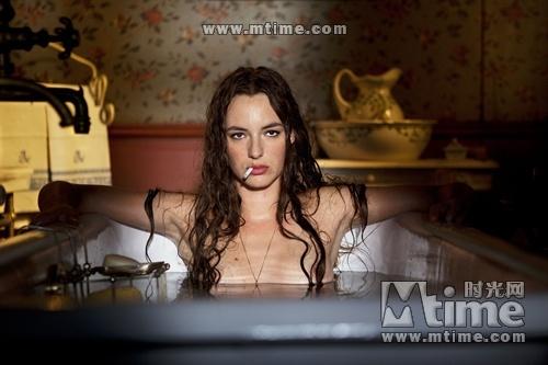 欧洲美女裸体无遮挡影露阴部阴��f_吕克贝松新片八月进内地 法国美女主角性感曝光