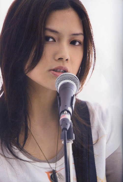yui_创作歌手yui今年7月发行久违2年3个月新专辑