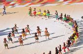 图文:2010南非世界杯开幕式举行 现场跳起舞蹈