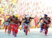 图文:2010南非世界杯开幕式举行 南非舞蹈迷人