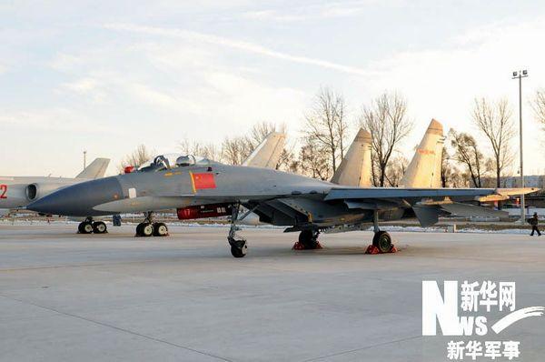进行静态展示的国产歼-11型战斗机。新华军事记者 高航 摄