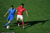 图文:亚洲首秀南非世界杯 金正友逼抢