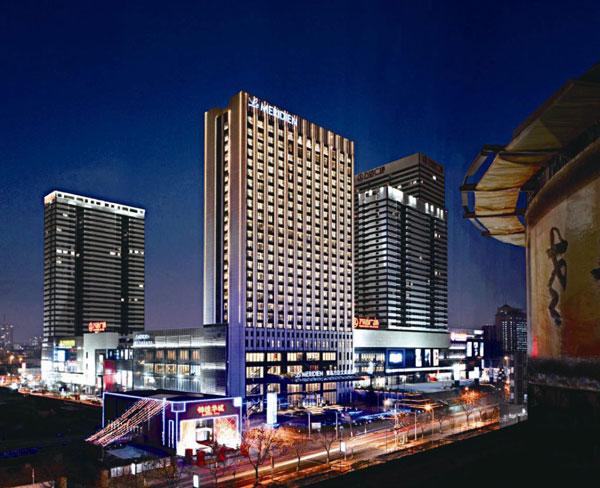青岛万达艾美酒店开启夏日狂欢之旅