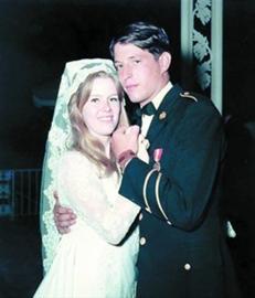 1970年,戈尔夫妇举行婚礼