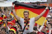 图文:德国4-0横扫澳大利亚 帅哥德国球迷