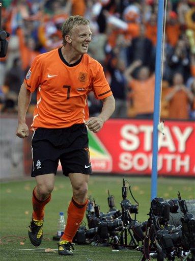 图文:荷兰2-0战胜丹麦 库伊特庆祝