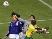 幻灯:日本1-0喀麦隆 田中斗莉王遭守门员拳击