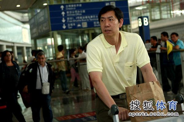 王宝泉携中国女排返京