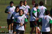 图文:墨西哥队备战训练世界杯 慢跑训练