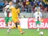 图文:科特迪瓦0-0葡萄牙 C罗纳尔多拼抢