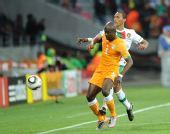 图文:科特迪瓦0-0葡萄牙 佐科拉拼抢