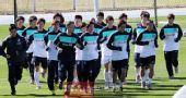 幻灯:韩国备战世界杯 队员不惧寒冷戴手套训练