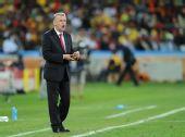 图文:瑞士1-0爆冷击败西班牙 希斯菲尔德指挥