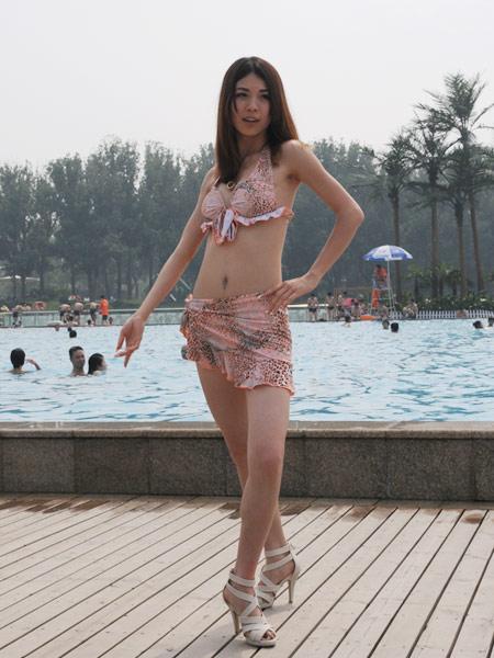 少女节_图文:搜狐微博美女玩转海沙节 比基尼诠释性感