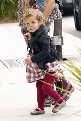 可爱Baby:杰西卡-阿尔巴女儿