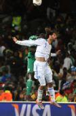 图文:小组赛希腊2-1尼日利亚 萨马拉斯头球