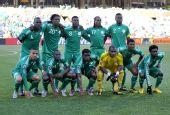 图文:希腊2-1尼日利亚 尼日利亚首发球员合影