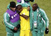 图文:小组赛希腊2-1尼日利亚 恩耶马哭泣离场